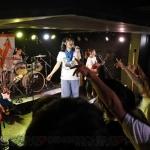 『ガールズフィスト!!!!』4thワンマンライブをレポート! ライブハウスを熱狂させ続ける4人の魅力とは?
